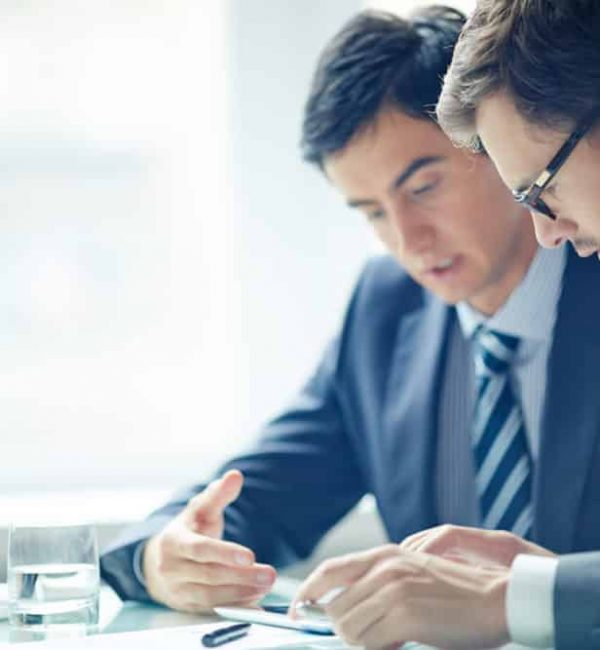 Η ανάπτυξη μιας κουλτούρας προς την υπηρεσία απαιτεί να είσαι χρήσιμος/η, να σκέφτεσαι τους άλλους, να είναι συνετός/ή και συνεργάσιμος/η, ενώ αποτελεί τρόπο διαφοροποίησης στην αγορά, είτε πρόκειται για τον εργαζόμενο είτε για την επιχείρηση. Η έμφαση στην υπηρεσία επιτρέπει τη δημιουργία περιοχών για τη δημιουργία αξίας για άλλα άτομα/επιχειρήσεις. Παράλληλα, η αγορά απομακρύνεται από το 'ένα μέγεθος για όλους' και εστιάζει στη δημιουργία εξατομικευμένων λύσεων με τις οποίες ο πελάτης θα έχει πλήρη έλεγχο στο τελικό προϊόν.